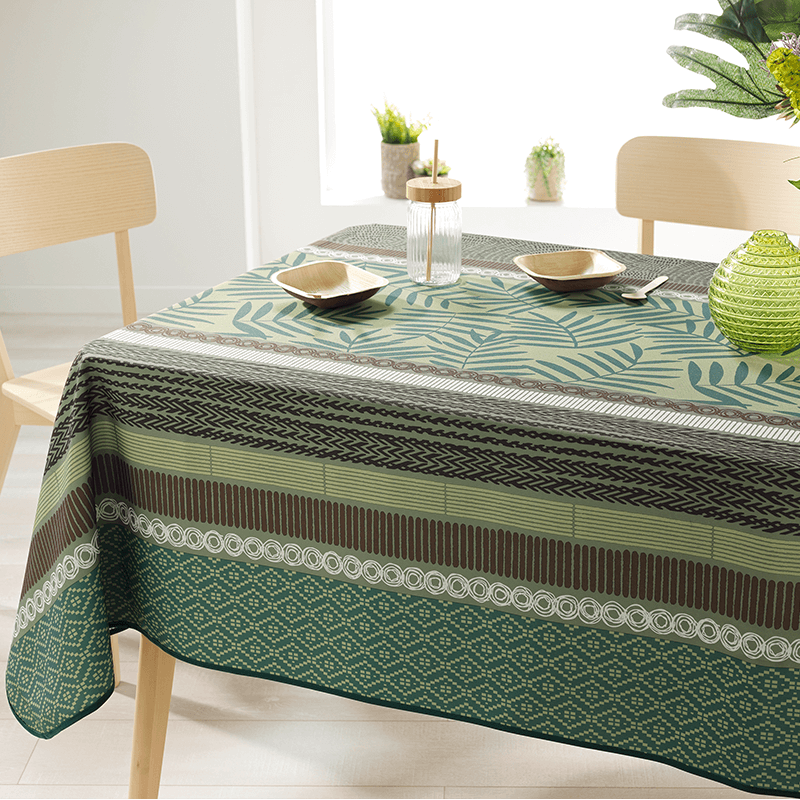 Rectangle 200 tablecloth 100% polyester, moisture repellent. Green with leaves